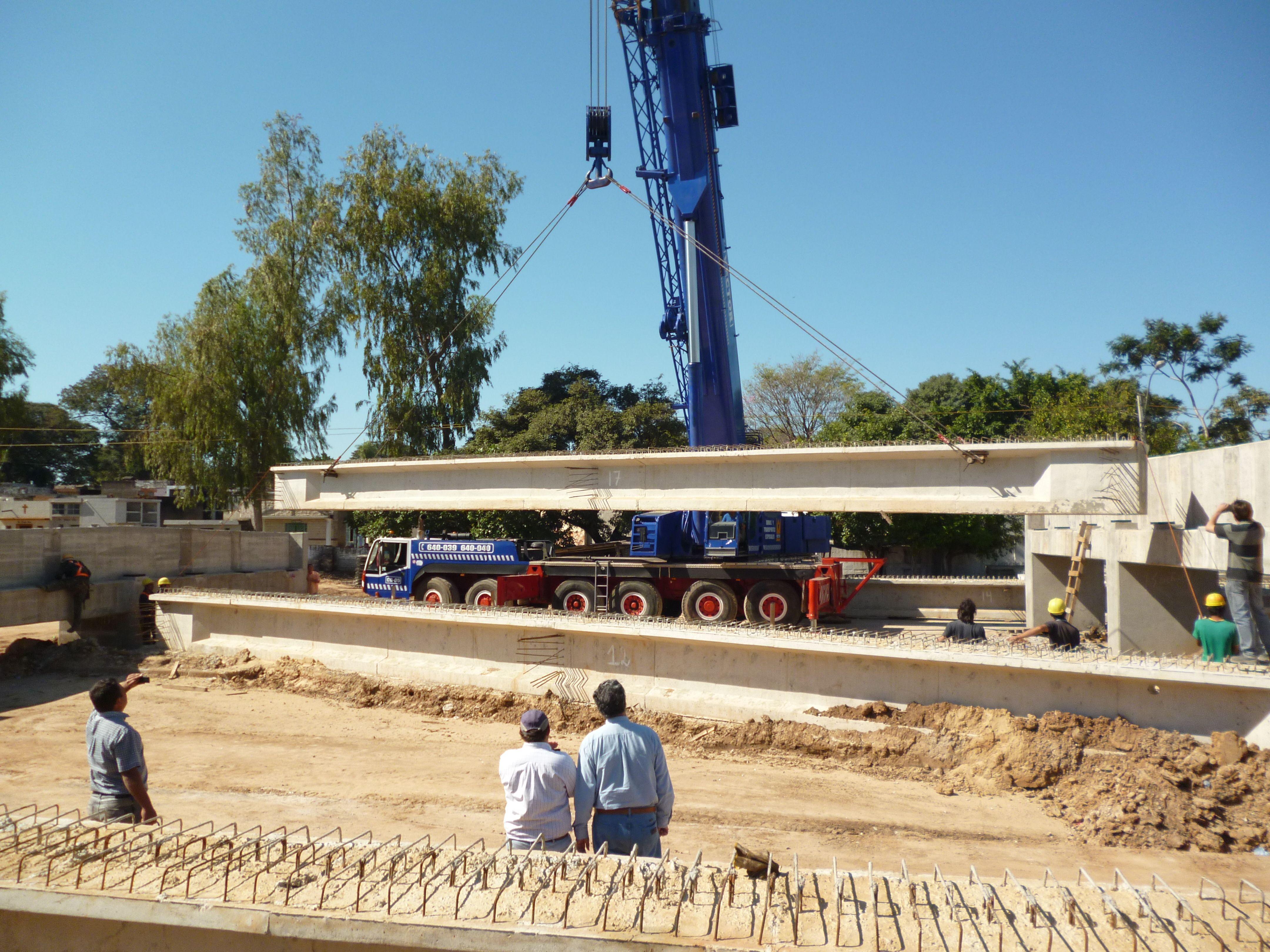 Montaje de Vigas prefabricadas para Viaductos